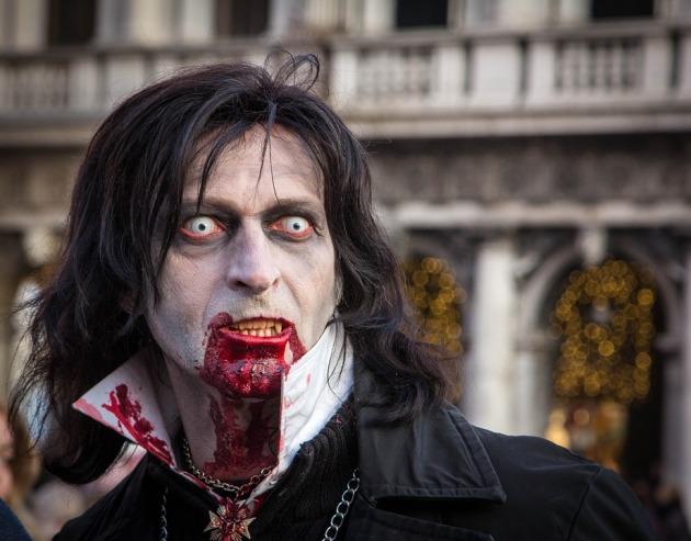 dracula vampiro non morto spada perfetta
