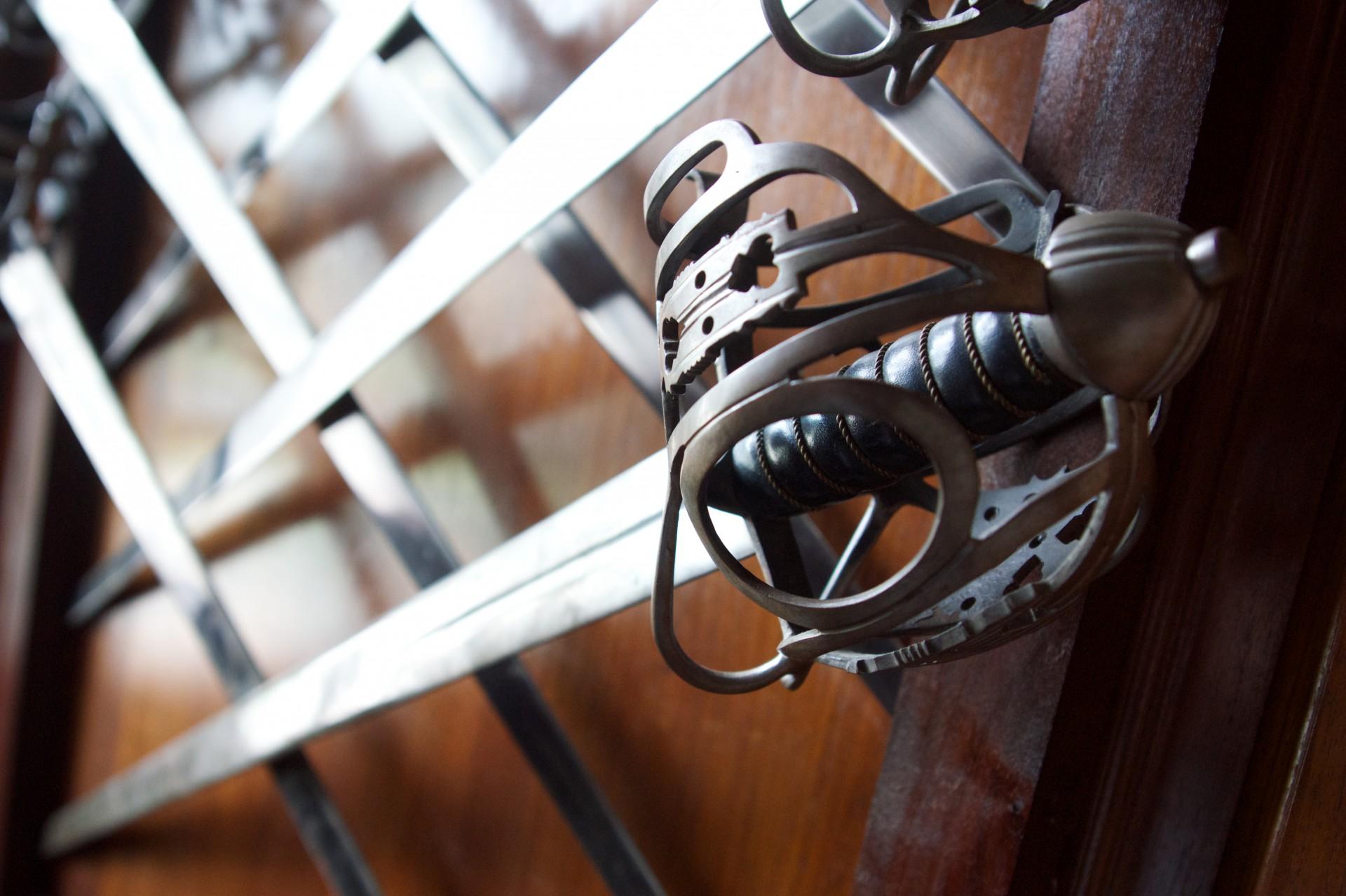 basket hilt broadsword claymore