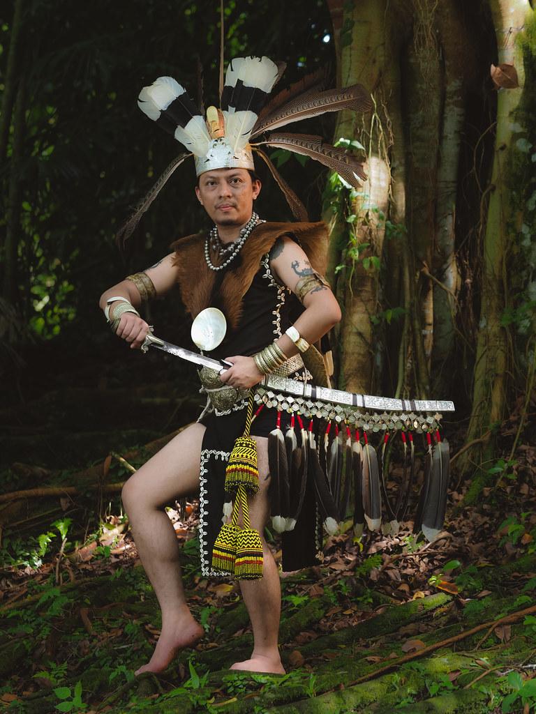 spada tribale giungla borneo