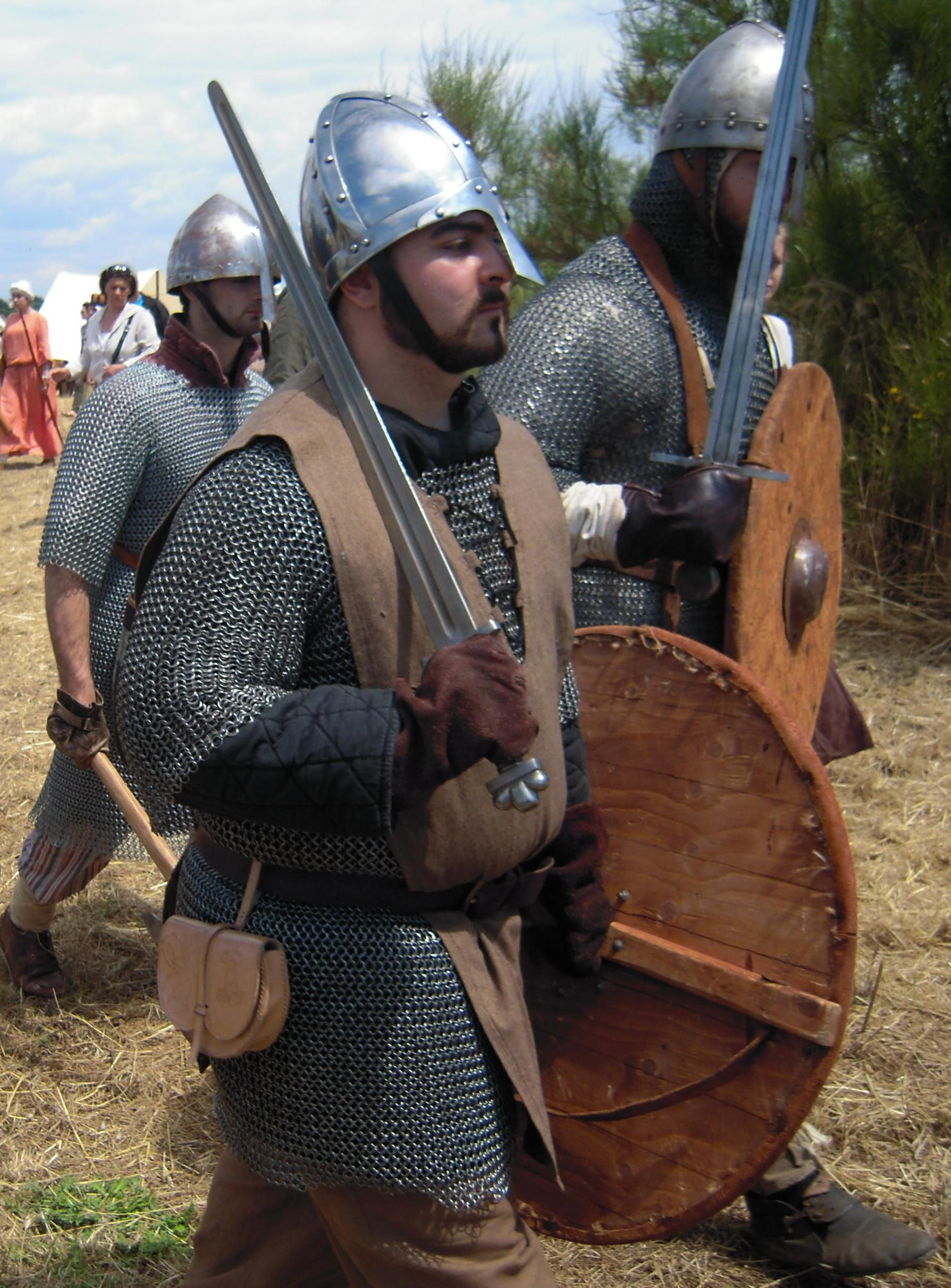 Rievocazione di guerrieri vichinghi o normanni
